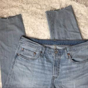 Levi's 501 Cropped Tapered Jeans